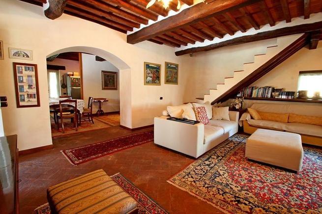 luxus ferienhaus toskana 6 personen capannori ferienhaus toskana. Black Bedroom Furniture Sets. Home Design Ideas