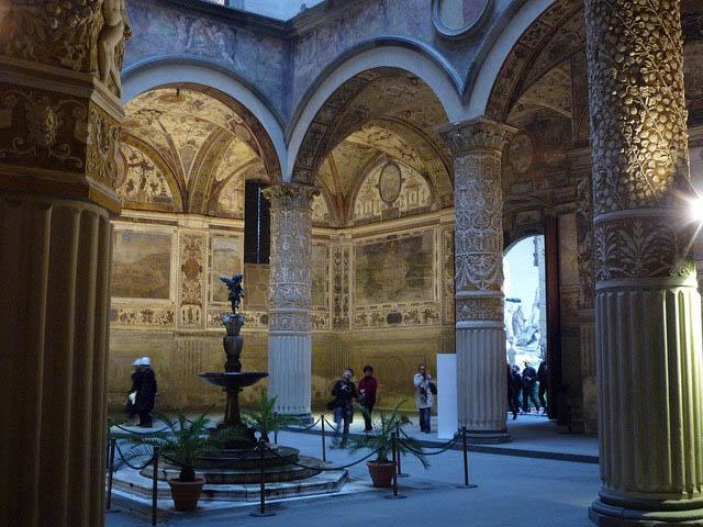 Exceptionnel Palazzo Vecchio – das mittelalterliche Rathaus von Florenz  DU47